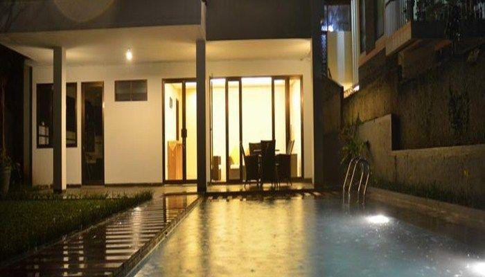 villa di bandung dengan kolam renang pribadi