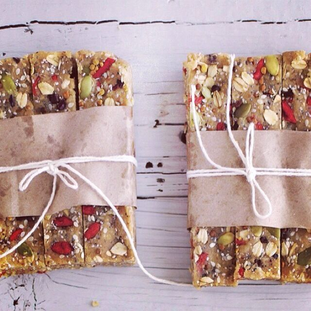 Vegan muesli bars by the Chalk Board Mag #babe #workout #strong #summer #tips #raw #fitfam #detox #teatox #teadetox #weightloss #healthy #skinny #skinnylifetea #transformation #fit #fitspo #inspiration #detoxwater #raw #cleaneating #vegan #wellness #health #eatclean #loseweight #detoxdiet #detoxtips #nutrition #tips #food #foodporn #yum