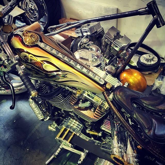 Klassy 9 coming back to Japan #detailscreatestyle#bestofshowverona#motorbikeexpo2014#artistryiniron#bulitforspeed#sturgis#custombikeshoe#supercharger#billetgirder#kensfactory