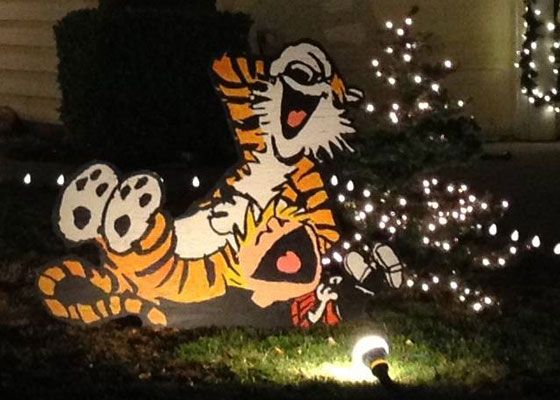 Calvin and Hobbes Christmas Lawn Decorations - Pursuitist