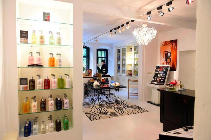Salon By John in Het Arsenaal. Skincare & beauty!  #byjohn #skincare #beauty