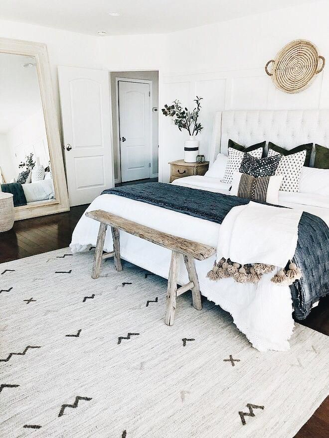 Pinterest Ivoryandaurora Instagram Theavilagirl V Www Twitch Tv Theavilagirl V Masterbedroom Home Decor Bedroom Bedroom Decor Cozy Master Bedroom Design