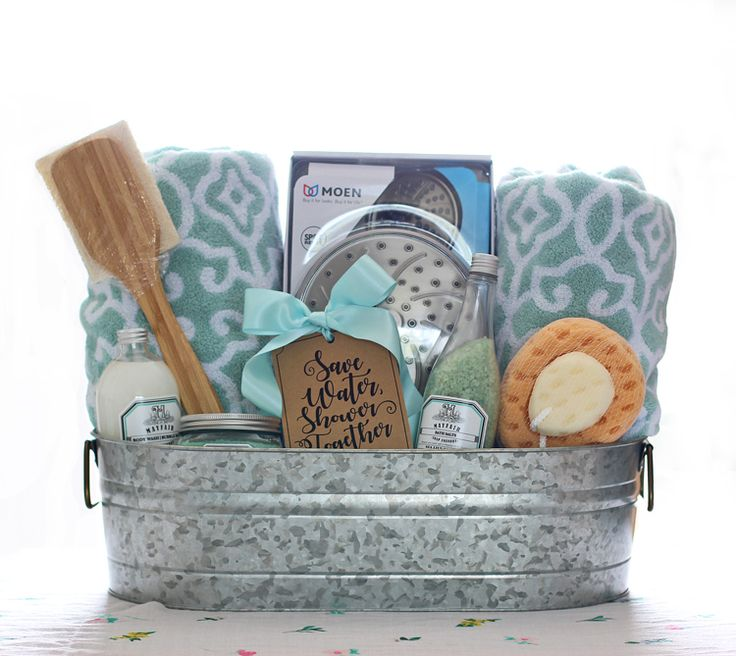 bathroom gift basket ideas 25 best ideas about wedding gift baskets on 15906
