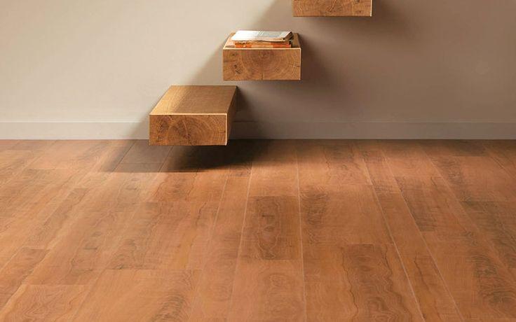 Tarimas y escaleras de calidad y a juego para conseguir una decoración neutral y armoniosa