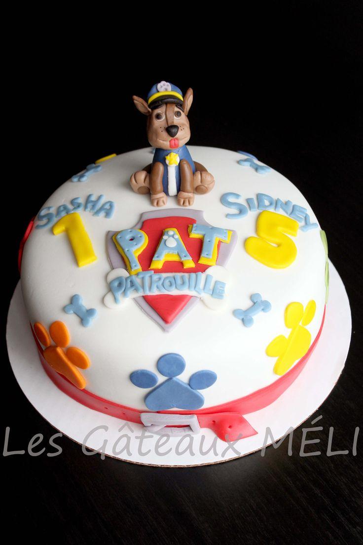 Un gâteau ''Pat'Patrouille''! Gâteau à la vanille, confiture de framboise entre les étages, glaçage à la vanille, recouvert de fondant.