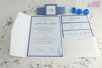 Auguri Diversi – Partecipazione di matrimonio in elegante carta metallizzata EFFETTO GESSATO. Colore Zaffiro www.facebook.com/AuguriDiversi