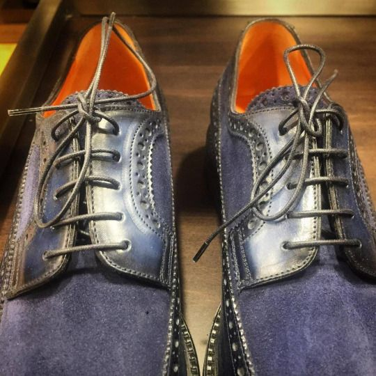 Navy derby shoes in suede by Santoni.  Available at: https://goo.gl/v0c70v  #santoni