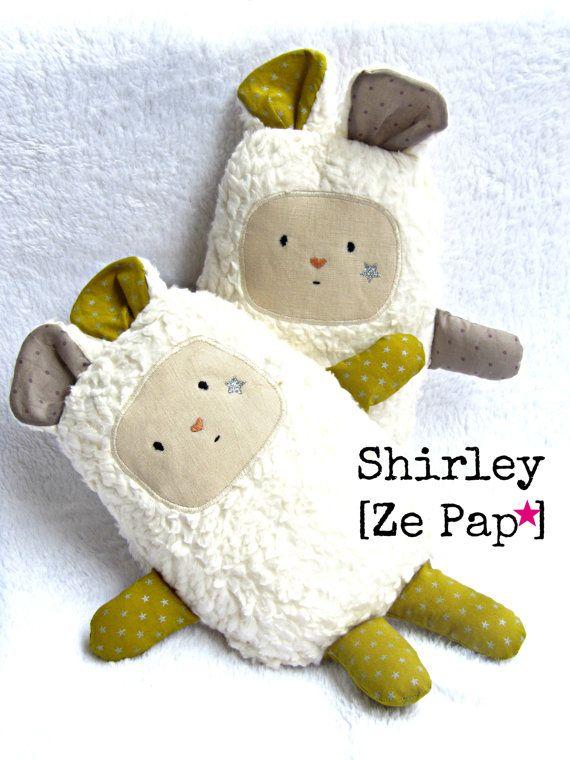 Doudouc en coton fourrure de coton et Liberty personnalisé visage brodé étoile à la main cadeau de naissance