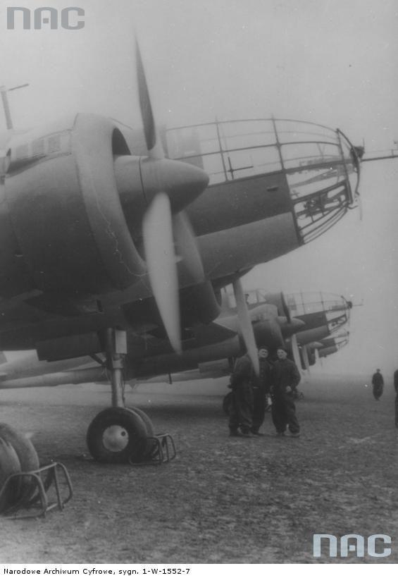 "The crew of the Polish PZL-37 ""Łoś"" ('Moose') on the machine."