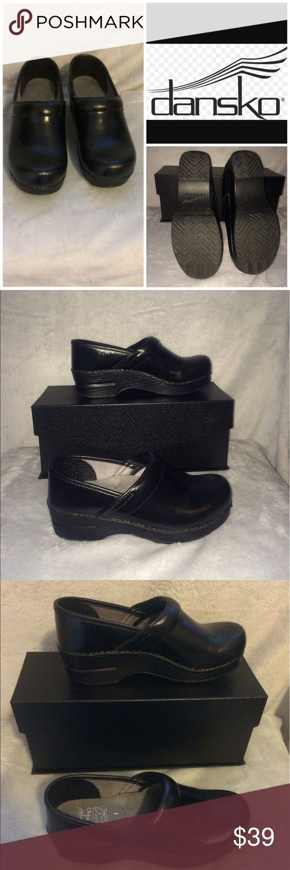 DANSKO Vegan Black Shiny Clogs, SZ 37 EUC 6.5/7 For sale: DANSKO Vegan black shiny professional/occupational/nursing work shoes/clogs are in excellent pre-owned condition. Size: 37 (6.5/7).  Interested? Like, share, bundle, buy! Dansko Shoes Mules & Clogs