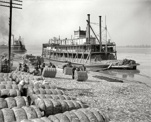 "Memphis, Tennessee, circa 1910. ""Unloading cotton. Sternwheeler City St. Joseph"