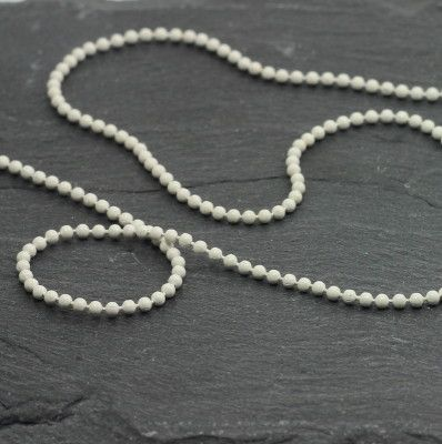Ball chain white