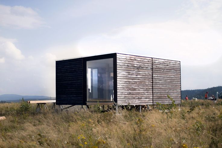 Eco Container from wood, cellulose fiber and clay. Prefabricated sustainable house.     #natural #container #wood #cellulosefiber #portable #modul #house #architecture #modern #flatroof #greenroof #kontener #dom #moduł #eko #zdrowy #naturalny #architektura #nowoczesny #plaski #zielony #dach #ekodama