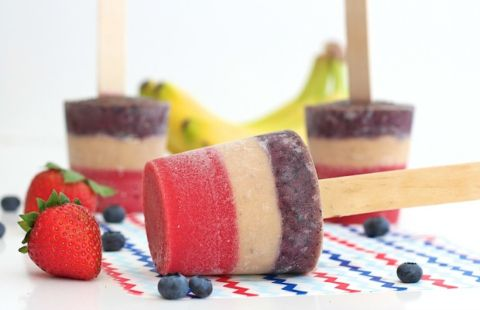 3-Ingredient+Patriotic+Fruit+Pops