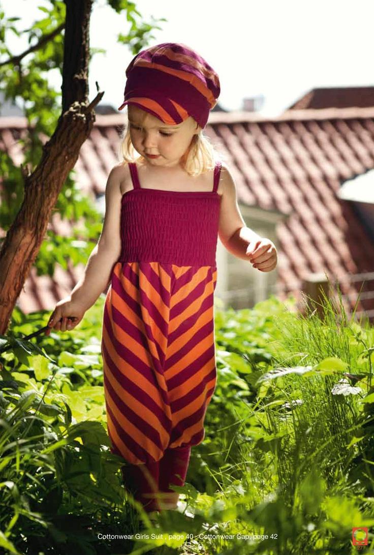 Peach & berries girls suit katvig #organic cotton. Love it, find it @kalakas.es