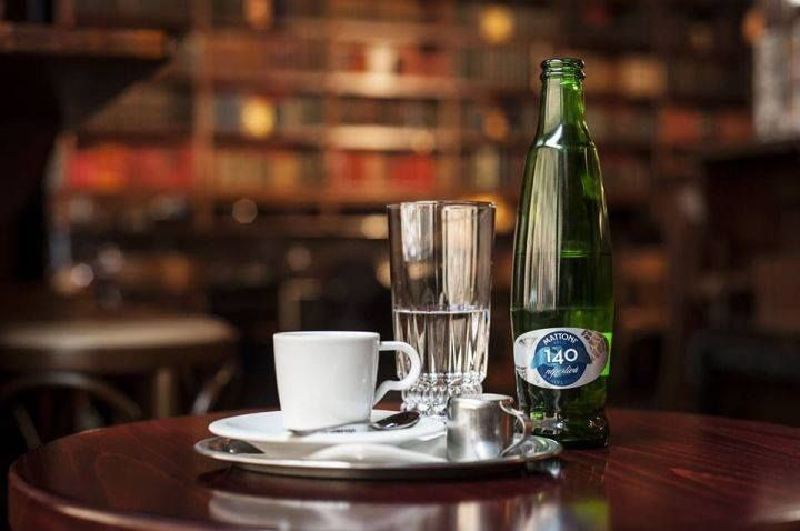 Mattoni and Coffee go together perfectly! The bottle is from 2013 limited edition, celebrating 140 years of Mattoni history. Mattoni natural sparkling mineral water #bottle #design #productdesign #water #mattoniwater #mineral #coffee #limited #history
