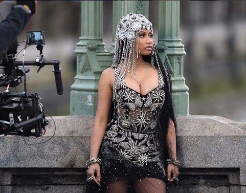 Nicki Minaj flaunts her curves, slams Remy Ma in Make Love video
