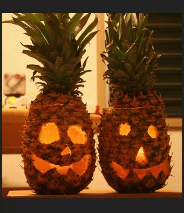 Carving pineapples instead of pumpkins craft ideas for Pineapple carving designs