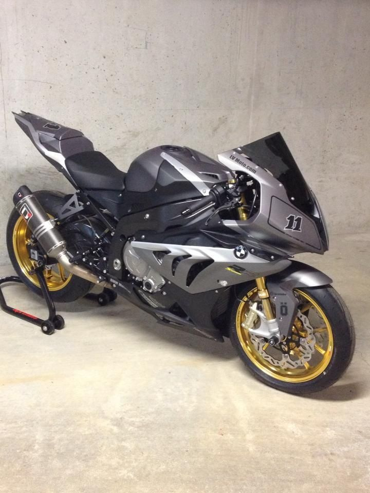 BMW S1000RR i love this bike