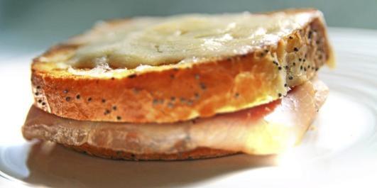 Her får du oppskriften på Croque Monsieur, verdens mest populære sandwich.