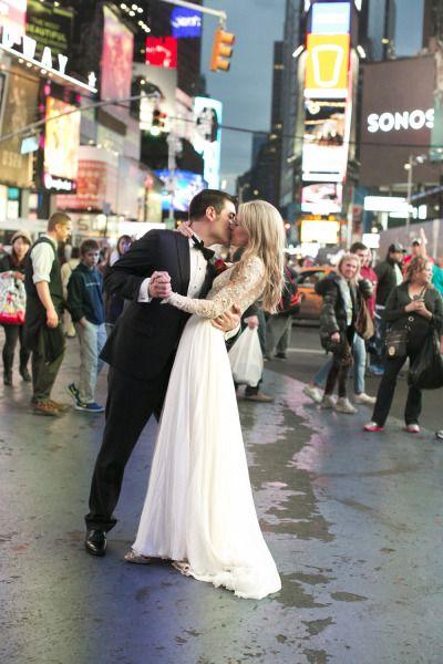 A wedding in the big city: http://www.stylemepretty.com/new-york-weddings/new-york-city/2014/12/22/intimate-new-york-city-winter-elopement/ | Photography: Raquel Reis - http://www.raquelreis.com/