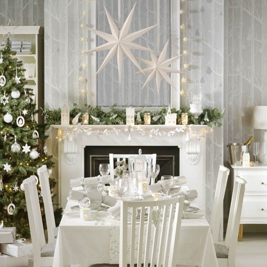 Best 25 Christmas Dining Rooms Ideas On Pinterest  Christmas Beauteous Christmas Dining Room Inspiration