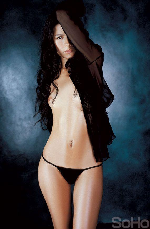 Martina garcia desnuda en la mosquitera - 4 4
