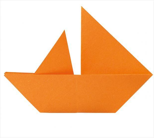 Katamaran, Schute oder Segler. Wir zeigen euch, wie man diese drei Bootstypen falten kann