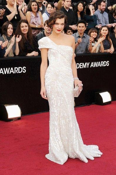 Milla Jovovich in Elie Saab (Oscars 2012): Millajovovich, Eliesaab, Elie Saab, Oscars 2012, Red Carpets, Gowns, Milla Jovovich, Academy Awards, Oscars Dresses