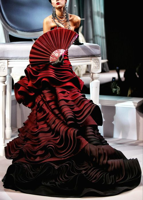 John Galliano, Design Gowns, Red Fashion, Couture Gowns, Christian Dior, Dresses, Red Rose, Hautecouture, Haute Couture