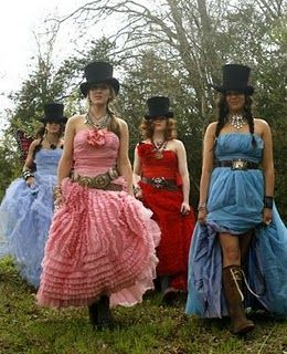 wouldn't life be fun if we could always dress like gypsies? I'm digging those hats!!