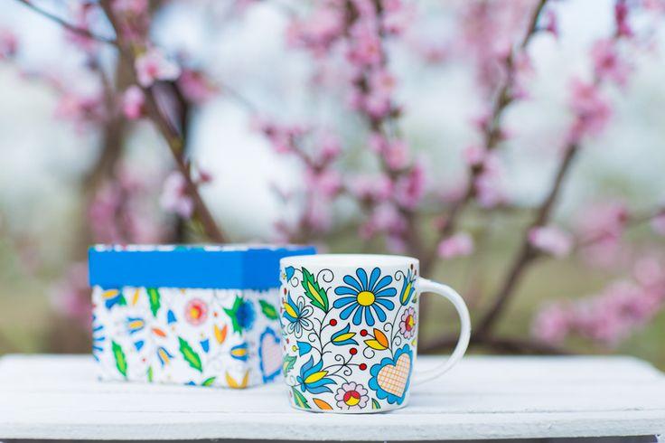 Kubek w pudełku FOLK - ludowe kwiaty z kaszubskich haftów
