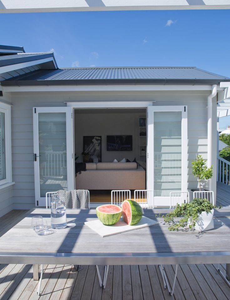 A damp and musty 1930s bungalow has been given a new lease of life and is loved once more thanks to its new owners In a nutshell Who lives here? Eva Nash (director of Rogan Nash Architects), David Nash (Bunnings national supply chain manager), Nico, 3. Aside from the architectural design, what other things did …