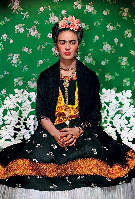 Все что угодно с Фридой. Frida Kahlo posa para Nickolas Muray em 1938 (Foto: Gelman Collection)
