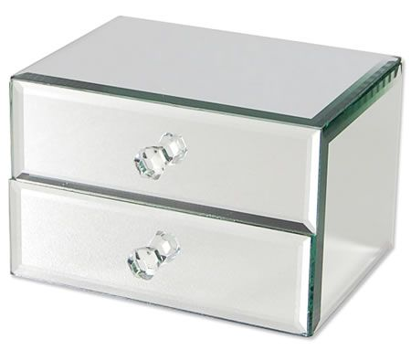 Sexy mirrored jewellery box with luxurious soft felt lined drawers.  $19.95