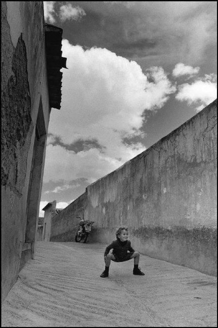 Cristina Garcia Rodero SPAIN. Cehejn. 1980. The child from the alleyway