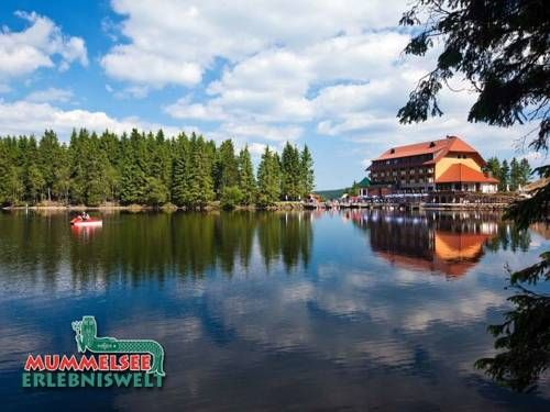 Berghotel Mummelsee Seebach Offering a spa centre and sauna, Berghotel Mummelsee is located in Seebach in the Baden-W?rttemberg Region, 200 metres from Mummelsee. Free WiFi is provided throughout the property and free private parking is available on site.