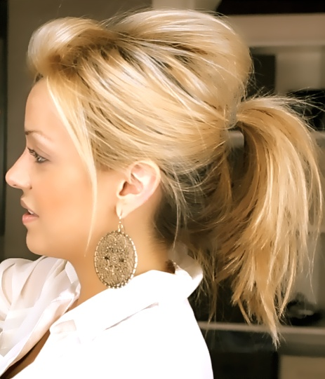 messy ponytail. with Volume!  -silvia  http://ellebangs.blogspot.com/