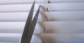 Say youhave some old mini blinds that have broken pieces or you're just bored with your plain white ones —there's aperfect way to recycle them instead of throwing them away. In this video tutorial, you'll learn how to makecustom window treatments on a budget by turning mini blinds into pretty Roman shades,all on your own.... View Article