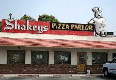 •~~•Shakeys Pizza Parlor•~~•