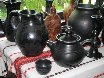 Hungarian black pottery