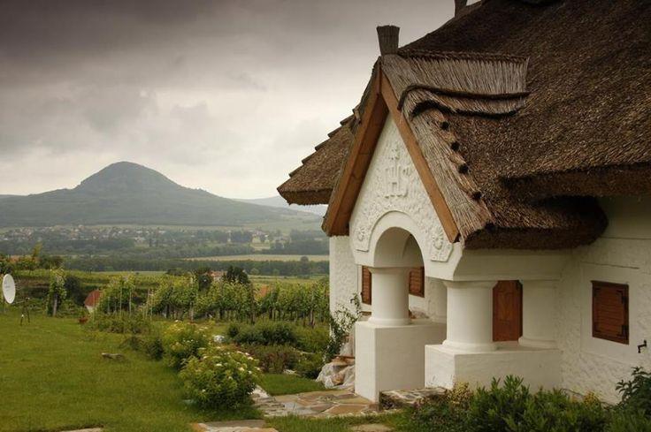 Szent György hegyi présház és a kilátás! - Hungary