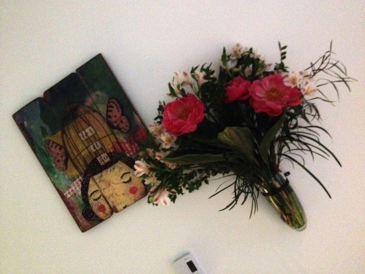 LOVE love love my wall vase!