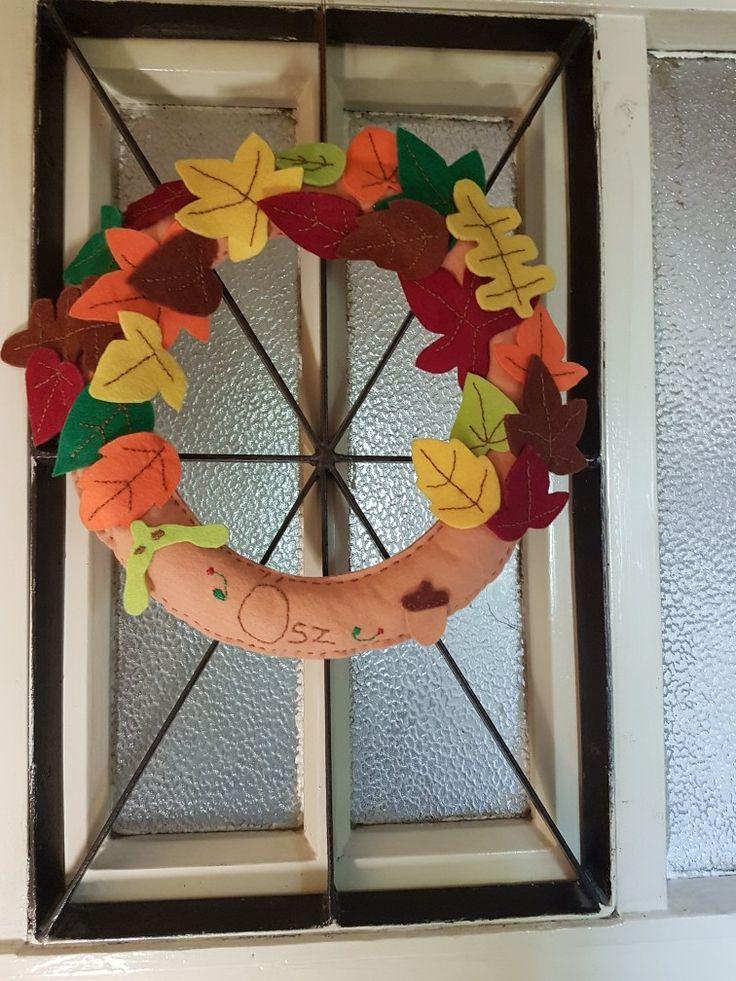 Felt Autumn wreath door decoration