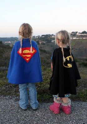 Tutorial: superhero fleece poncho-capes! (1. Fleece is a nice warm cape for chilly spring weather! 2. check out the awesome picture with girls in superhero capes!)