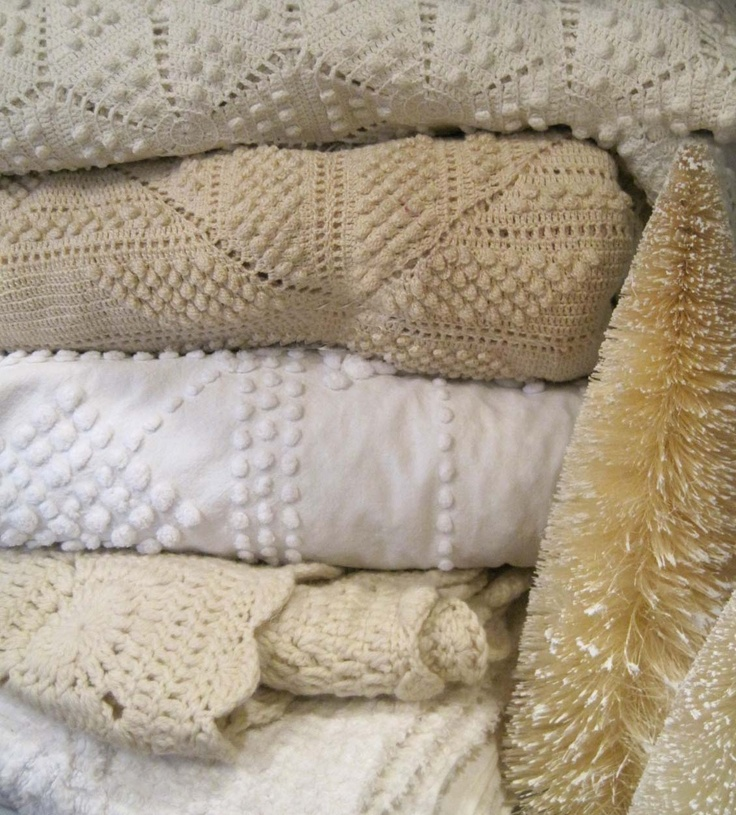 vintage blankets - chenille... love it.