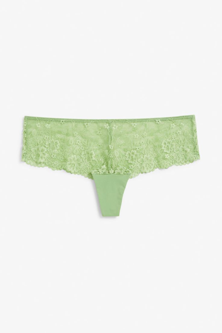 A half string with ooOooOoooo! allure, this stretch lace little wonder is great at creating a smooth shape in clothes.