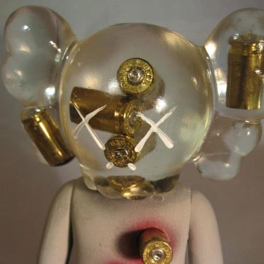 Custom-Feature: KAWS Figurine by Shawn Wigs
