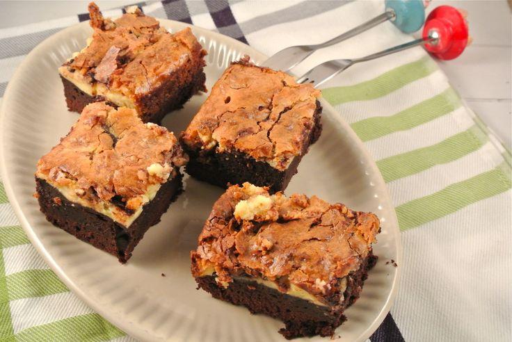 Een lekker recept voor de chocolade liefhebbers, namelijk nutella cheesecake brownies. Heerlijke brownies met een topping van cheesecake.