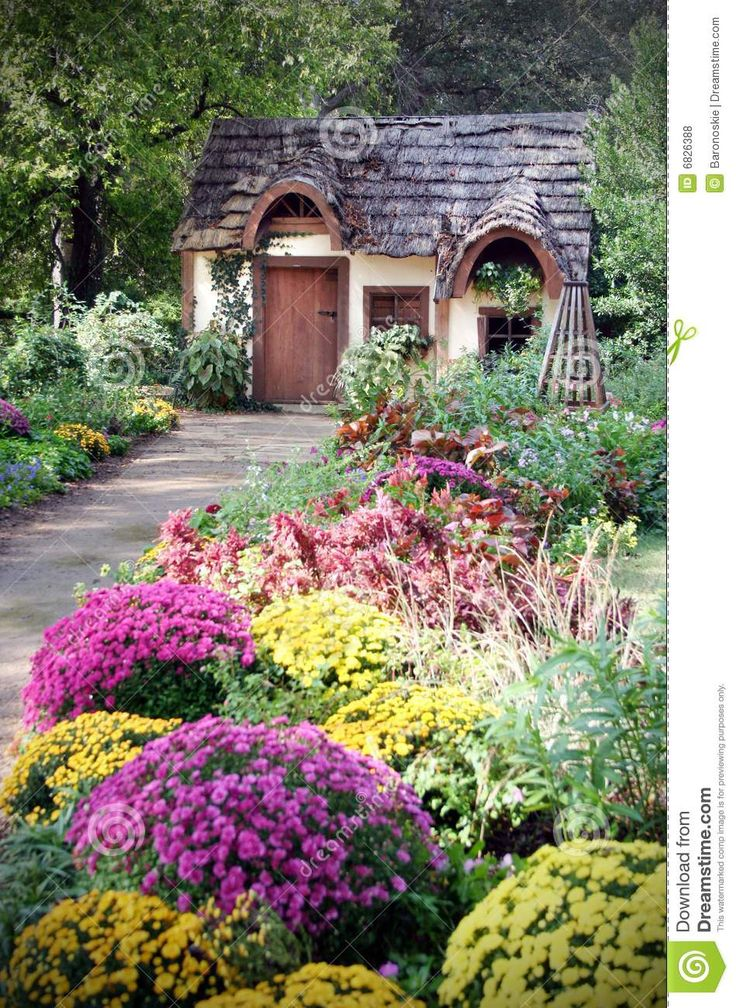 61 Best Country Cottage Gardens Images On Pinterest